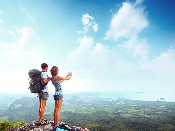 Nắm bắt cơ hội du lịch tại một nước nói tiếng Anh