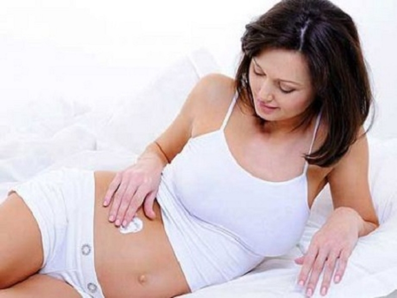 Phụ nữ khi mang thai sẽ dễ bị sạm da