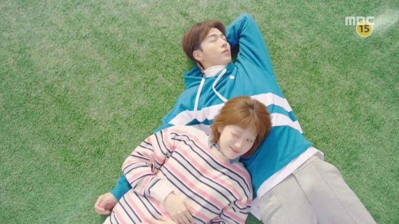Nam Joo Hyuk đáng yêu bên cạnh bạn diễn trong dự án phim đang được yêu thích Weightlifting Fairy Kim Bok Joo (Nguồn: Sưu tầm)