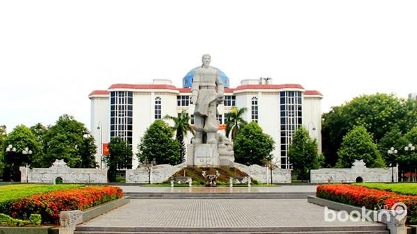 Tượng Đài Vua Lê Lợi ở Thanh Hóa