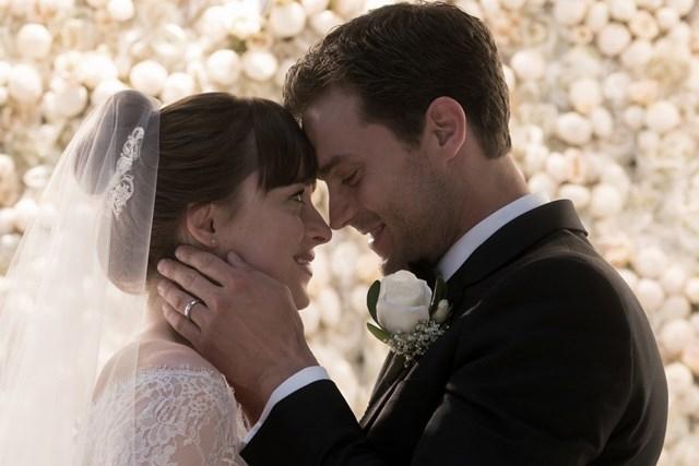Cảnh đám cưới gây tò mò trong trailer Năm mươi sắc thái tự do