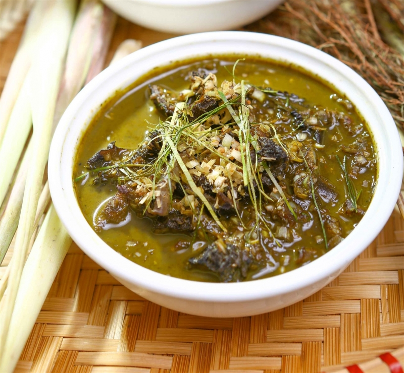 Nậm pịa là món ăn khá đặc biệt của người Thái, đặc sản ngon nổi tiếng ở Mộc Châu