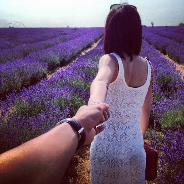 Top 10 kiểu chụp hình đẹp nhất của cặp đôi khi đi du lịch