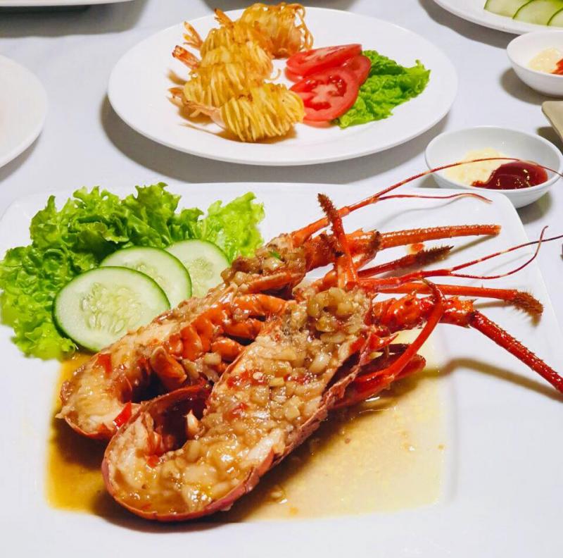 Namas Seafood Restaurant & Bar