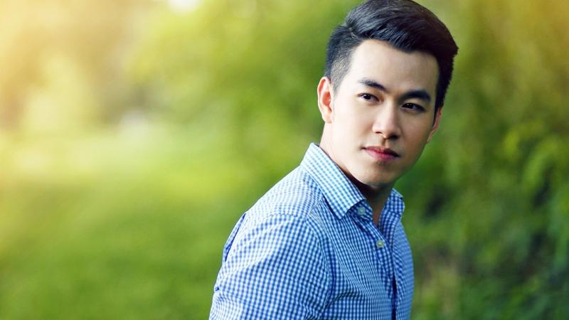 Ca sĩ Hồ Trung Dũng - cựu sinh viên khoa Ngữ văn Đức