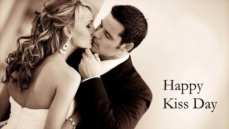 Hãy để lại ấn tượng cho anh ấy bằng một nụ hôn nhẹ nhàng