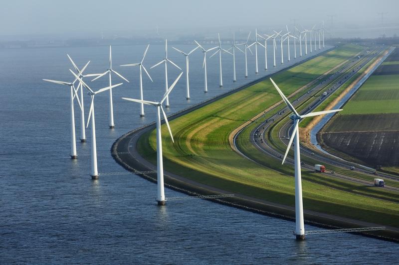 Năng lượng gió hay năng lương mặt trời đều là những nguồn năng lượng tiềm năng trong tương lai