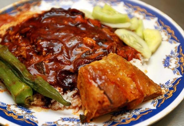 Nasi Kandar là món cơm cà ri của cộng đồng người Ấn ở Malaysia