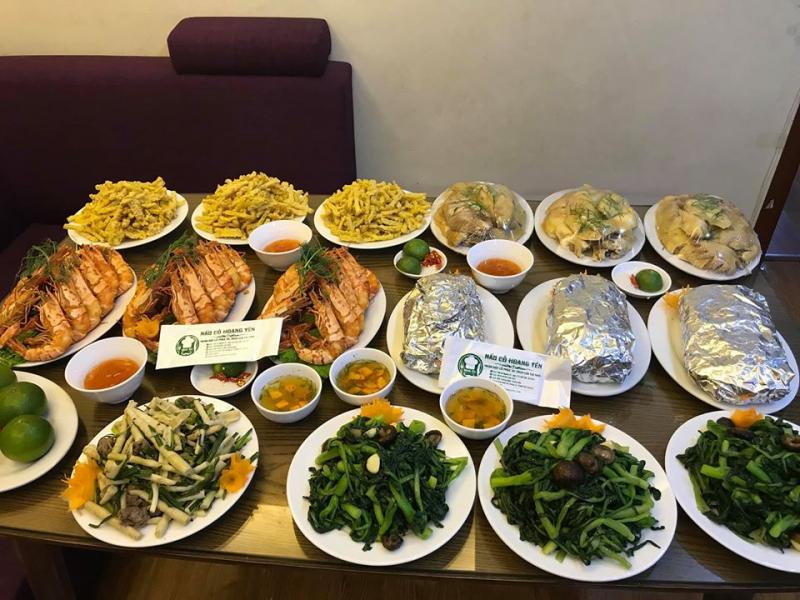 Nấu cỗ Hoàng Yến