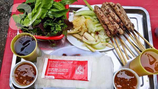 Grilled spring rolls - Thuy Khue street