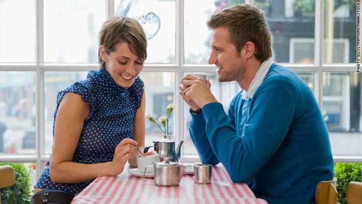 Gọi điện hoặc nhắn tin cho cô ấy sau một buổi hẹn hò thú vị