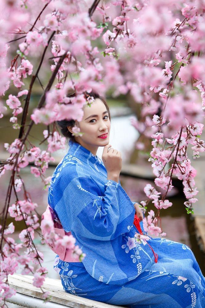 Bạn có thể mặc thử áo kimono truyền thống