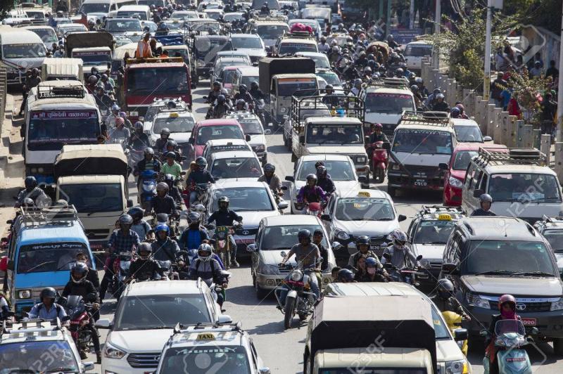 Giao thông vô cùng đông đúc tại Nepal