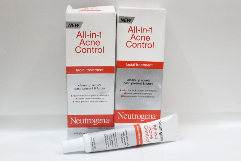 Neutrogena All In 1 Acne Control Facial Treatment