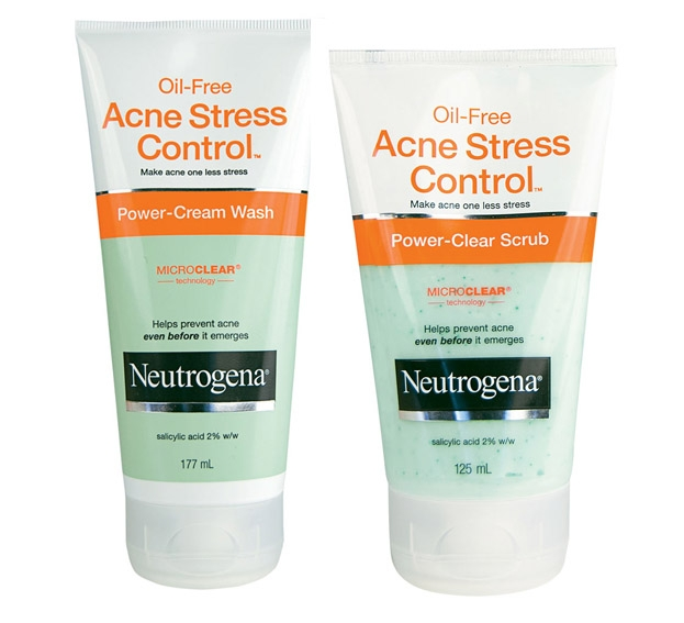 Neutrogena Oil-Free Acne Stress Control Power – Clear Scrub