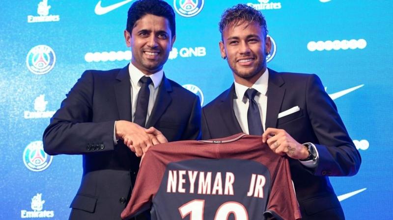 Neymar Jr chuyển đến PSG