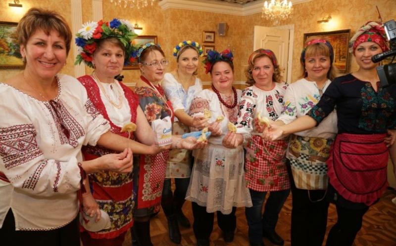 Phụ nữ Nga ăn mừng ngày Quốc tế Phụ nữ