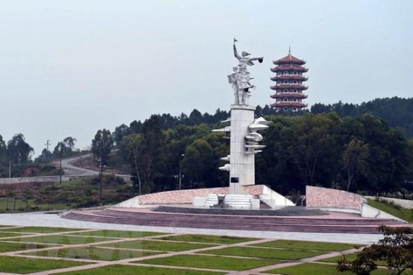 Đây là địa điểm tham quan nổi tiếng mà bất kì ai khi tới Hà Tĩnh đều nhất định phải ghé qua.
