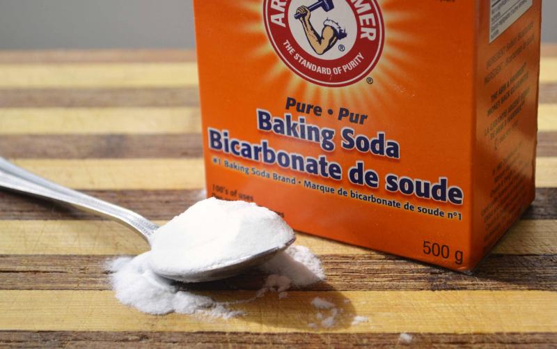 Ngâm Baking soda và Rửa