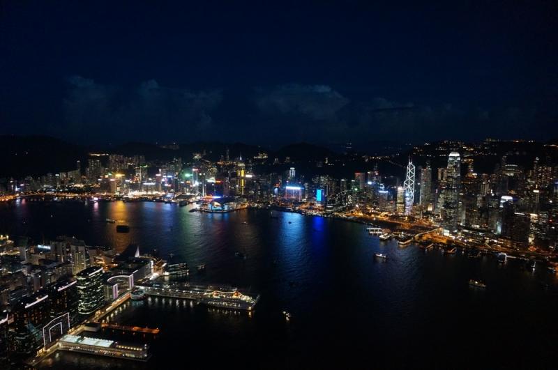 Một góc Hồng Kông nhìn từ quán bar cao nhất thế giới Ozone (Nguồn: Sưu tầm)