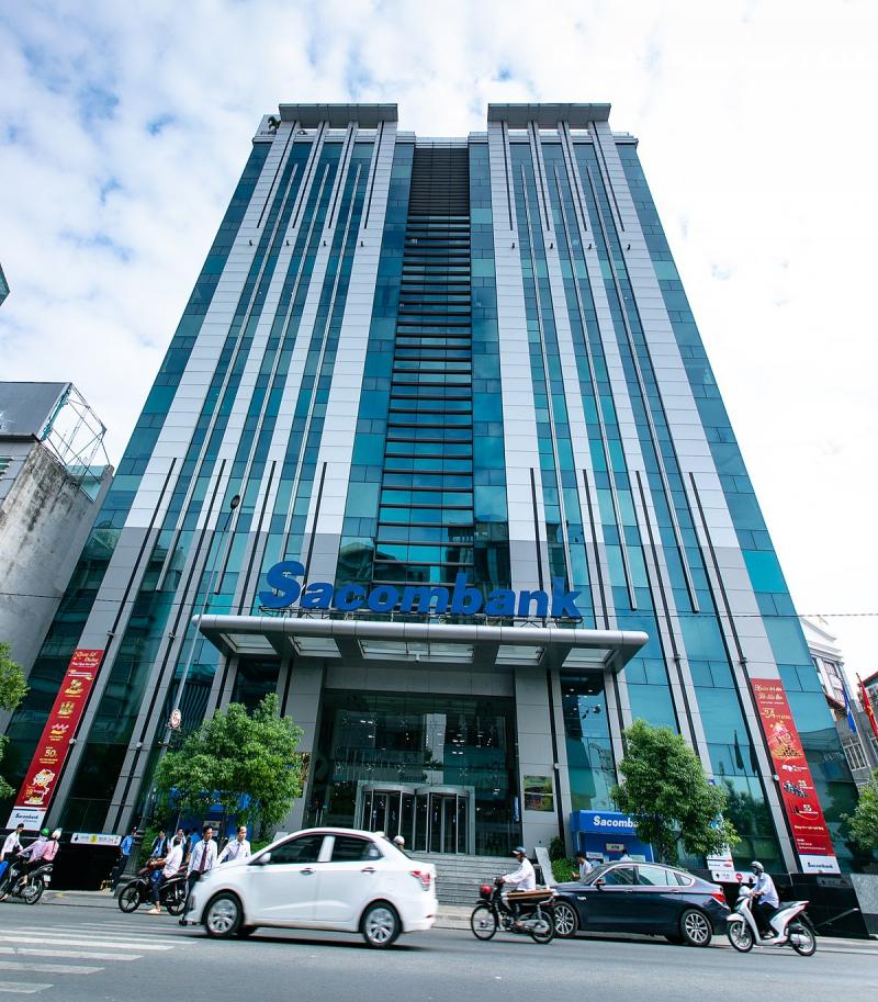Sacombank cũng đang tiên phong khai trương bằng việc mở rộng mạng lưới kinh doanh sang Lào và Campuchia.