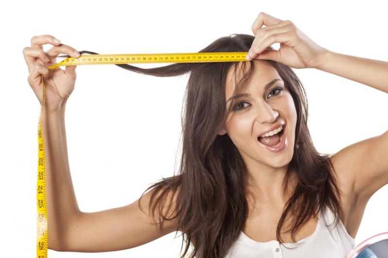 Vitamin C có trong dưa hấu cũng có thể giúp cung cấp đủ lượng chất sắt cho da đầu, từ đó hỗ trợ tăng trưởng tóc