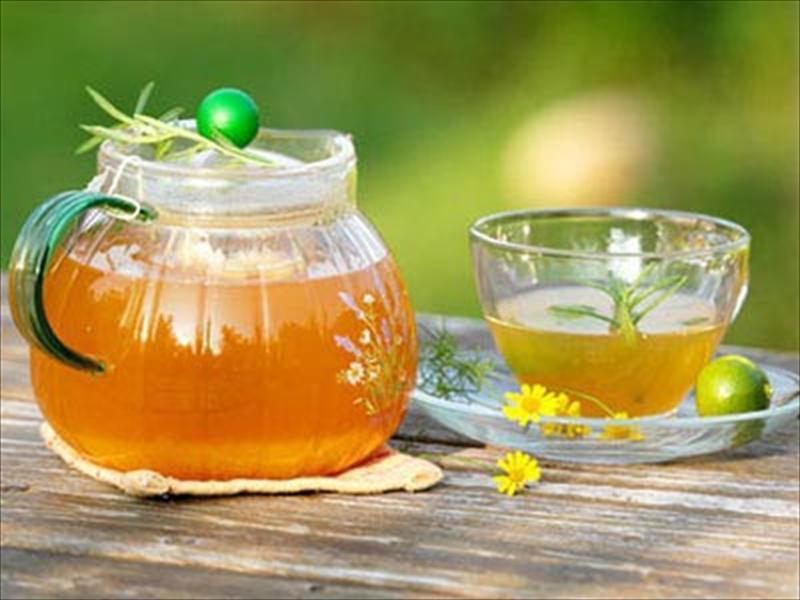 Mật ong có khả năng hấp thụ nước, ngăn ngừa táo bón