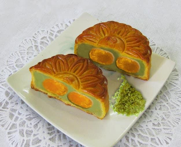 Toàn bộ nguyên liệu làm bánh đều được lựa chọn cẩn thận, kĩ lưỡng