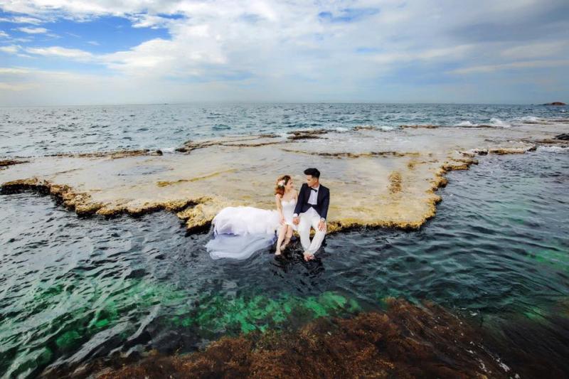 Tấm hình cưới đẹp lung linh qua góc chụp mới lạ