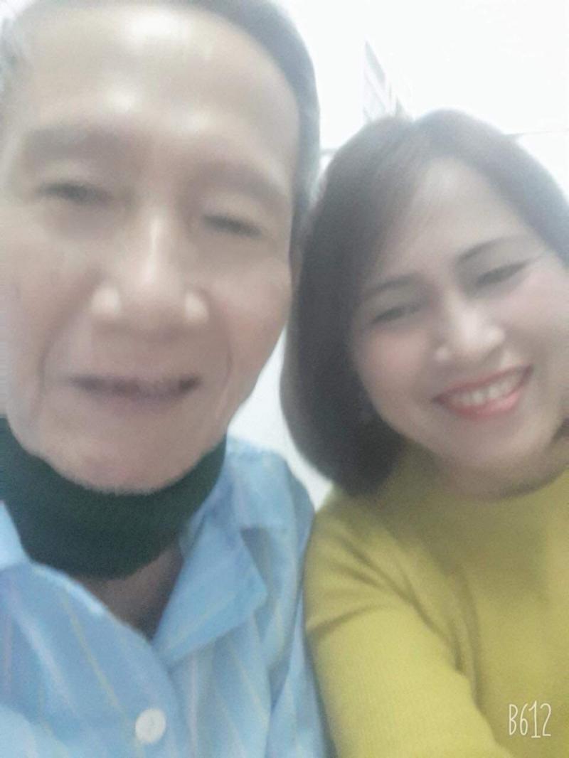 Ảnh nhà thơ Hồ Thị Hiền và cha