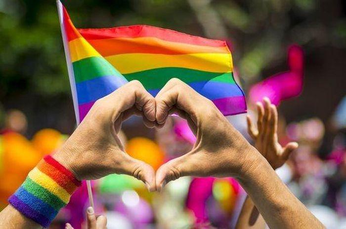 Ngày Quốc tế chống kỳ thị, phân biệt đối xử với người đồng tính, song tính và chuyển giới
