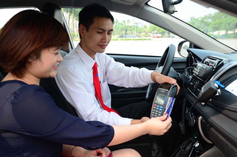Lái xe taxi là một trong những nghề có thu nhập khá ổn định mà không cần bằng đại học