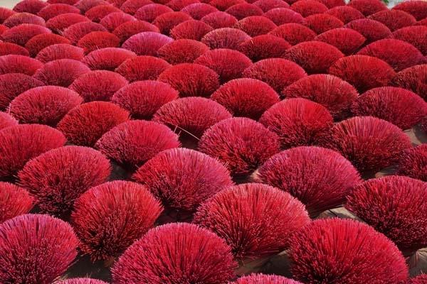 Hương trầm Đông Khê trong công đoạn phơi nắng