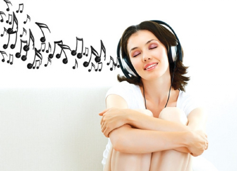 Nghe nhạc là một cách xả stress tại chỗ rất hiệu quả