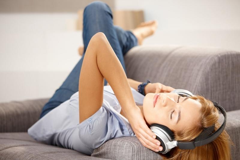 Nghe nhạc trước khi đi ngủ