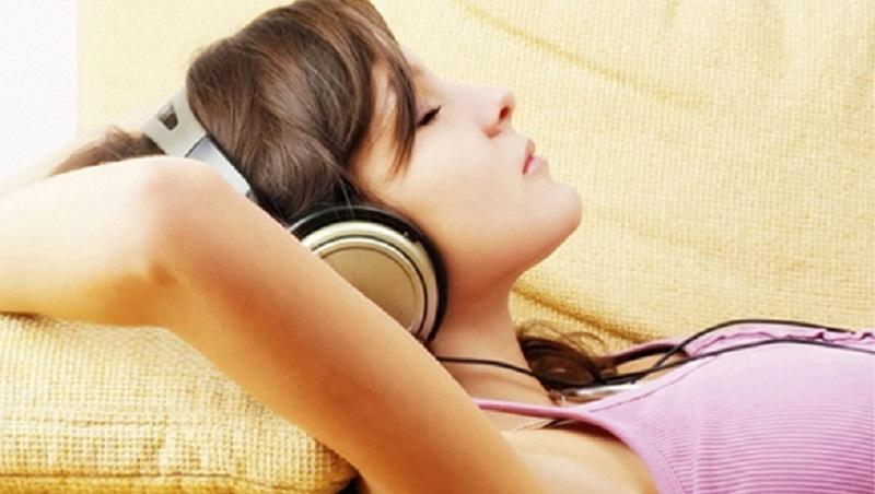 Nghe nhạc trước khi ngủ
