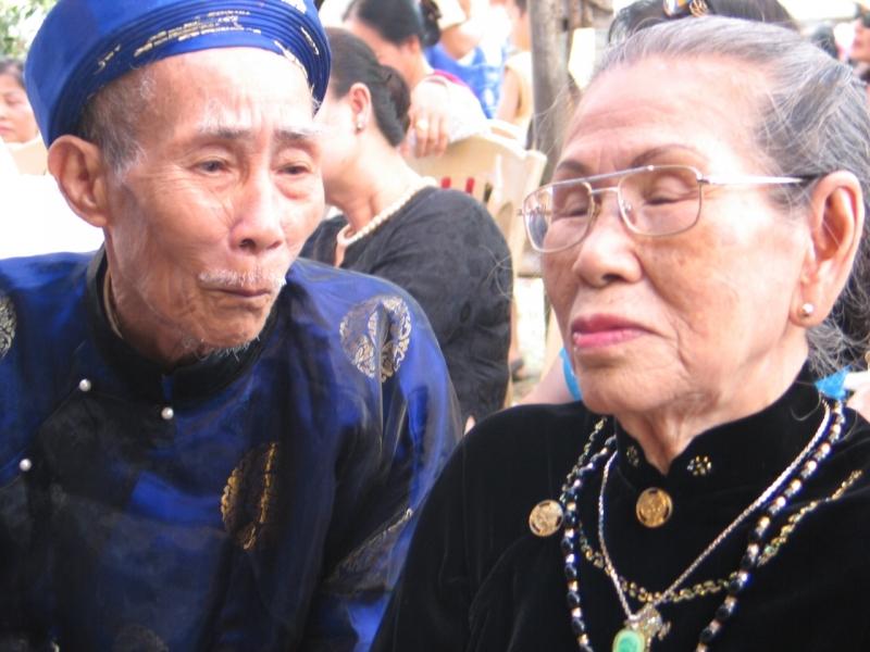 Nghệ nhân ca trù Trần Trọng Quế và Nguyễn Thị Chín của CLB ca trù Hải Phòng