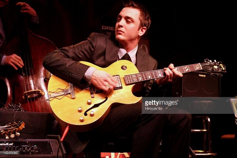 Nghệ sĩ guitar Django Reinhardt