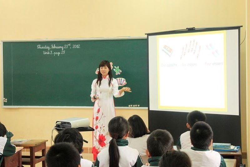 Nghiêm trang là đức tính rất cần thiết đối với mỗi giáo viên