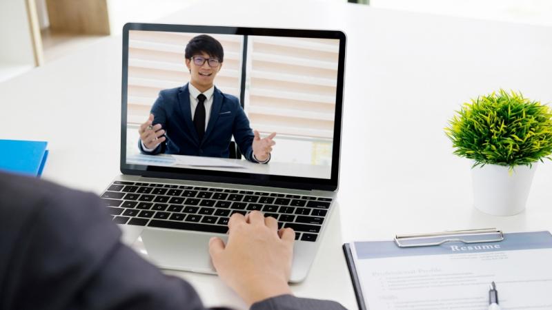 Lịch sự giúp bạn ghi điểm trong mắt nhà tuyển dụng.