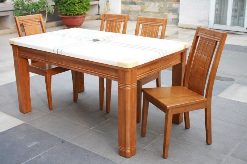 Bộ bàn ghế ăn của Ngọc Anh (Nguồn: Sưu tầm)