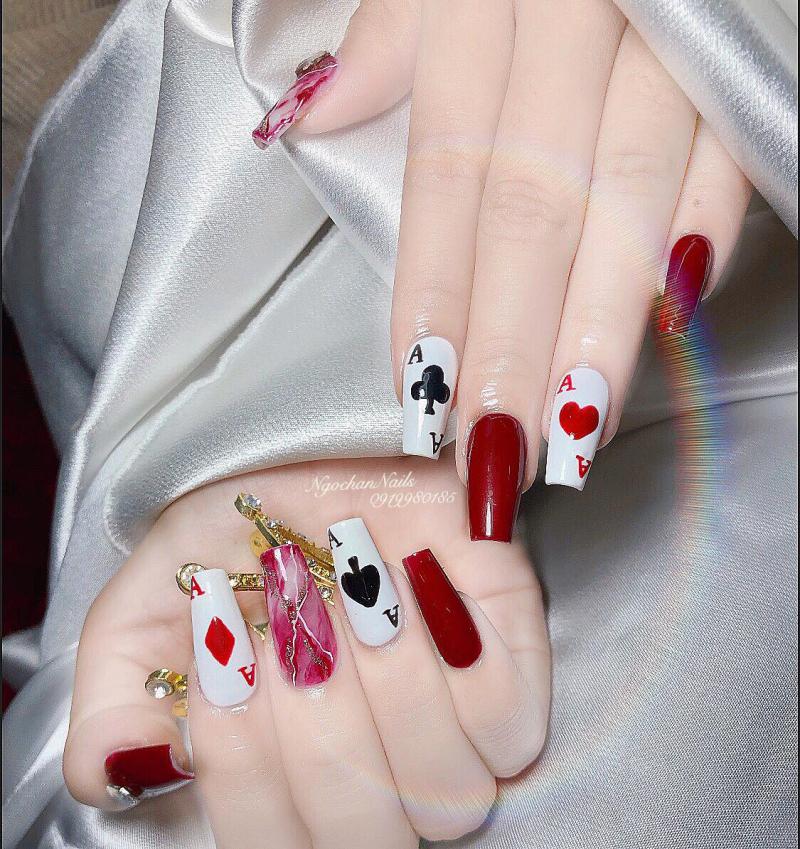 Mẫu nail luôn được Ngọc Hần thay đổi để phù hợp với khách hàng nhất