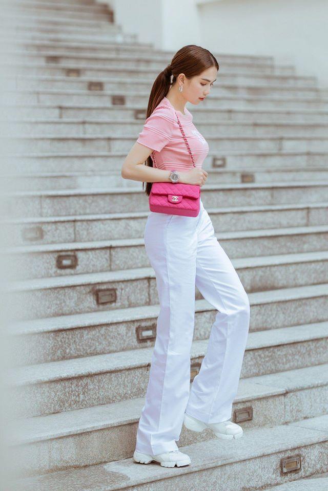 Hình ảnh tại Ngoc Trinh Fashion