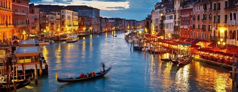 ... và cùng thị trấn chìm dần vào màn đêm nên thơ, lãng mạn rung động lòng người!
