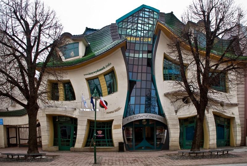 Ngôi nhà cong tại làng Sopot, Ba Lan
