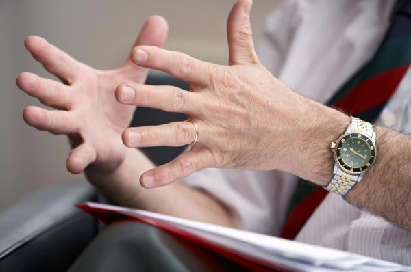 Ngôn ngữ cơ thể giúp ích rất nhiều khi thuyết trình