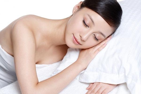 Ngủ đủ giấc giúp cơ thể khỏe mạnh, ngăn ngừa ung thư vú