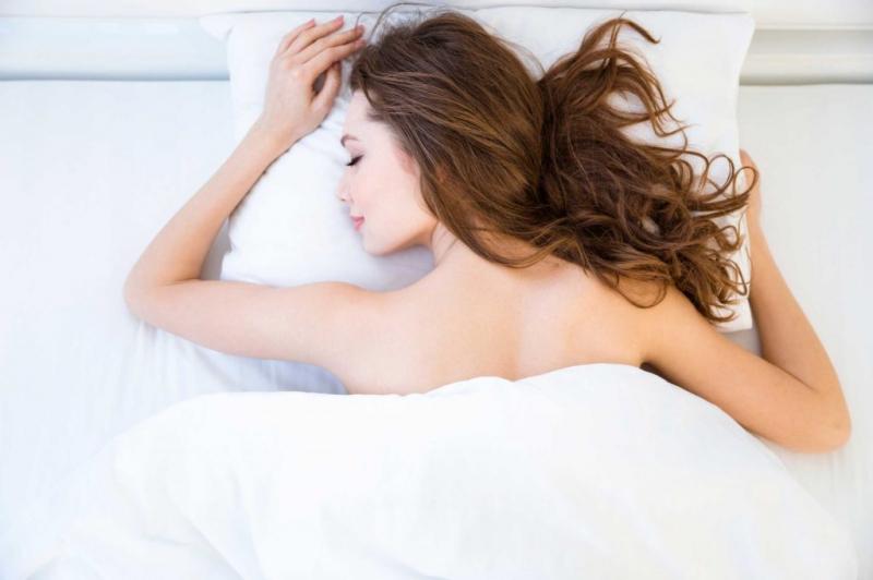 Top 10 lợi ích bất ngờ từ việc ngủ nude có thể bạn chưa biết
