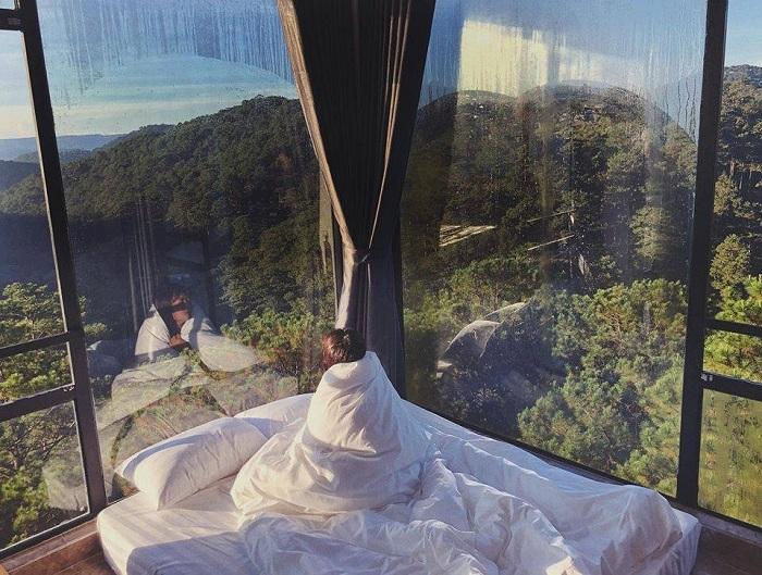 """A morning that is buried forever in a warm blanket in the middle of Dalat weather is """"happy"""" to know."""