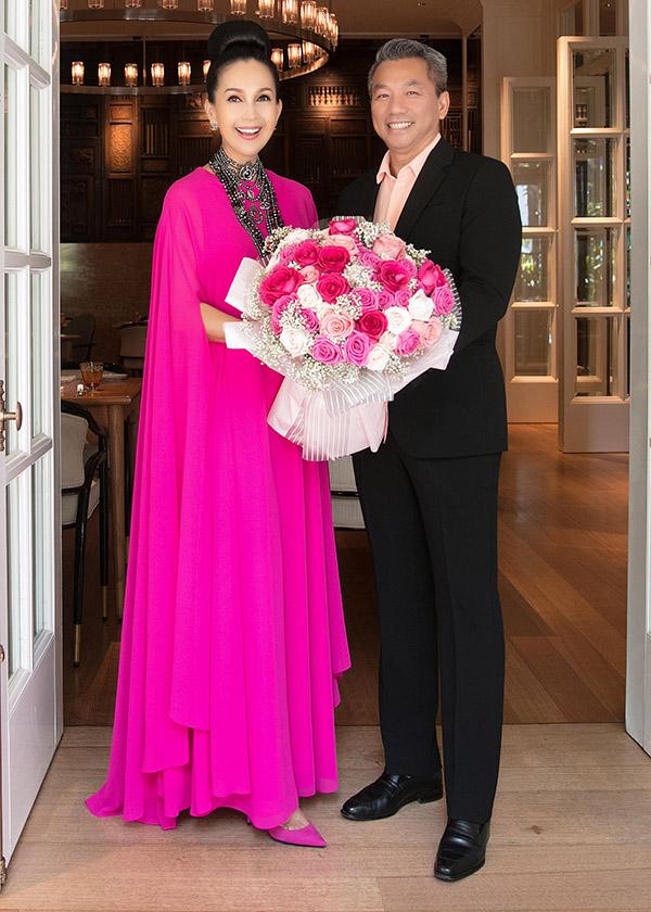 Diễm My cùng chồng trong ngày sinh nhật lần thứ 56 của cô